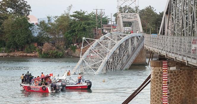 Sập cầu Ghềnh, ga Sài Gòn bị cô lập