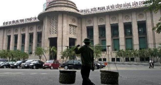 Các tổ chức tín dụng hủy mua ngoại tệ kỳ hạn với NHNN