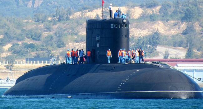 """Việt Nam """"chống tiếp cận"""" Biển Đông với vũ khí Nga"""