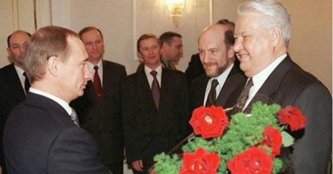"""Nga tiếp tục trả nợ trăm tỷ USD """"thừa kế"""" của Liên Xô"""