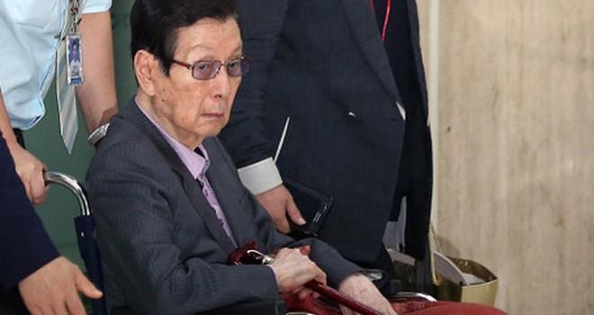 Nhà sáng lập 93 tuổi của Lotte bị triệu tập để thẩm vấn