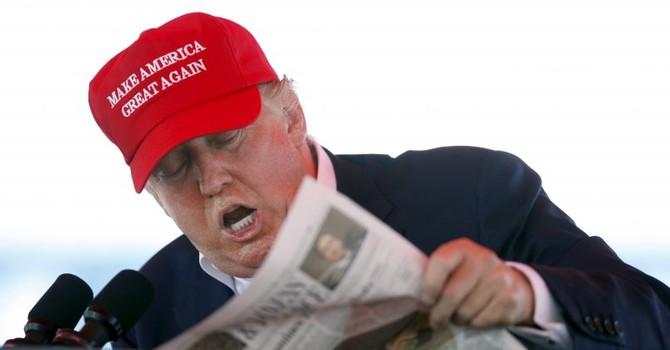 Tỷ phú Donald Trump tiến thoái lưỡng nan trong vụ lộ tài liệu trốn thuế