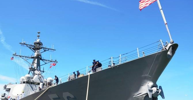 Tàu chiến Mỹ lần đầu cập cảng Cam Ranh sau hơn 20 năm