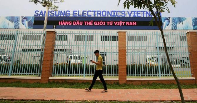 """Xuất khẩu của Việt Nam sau sự cố của Samsung: Rủi ro khi """"bỏ hết trứng vào 1 giỏ"""""""