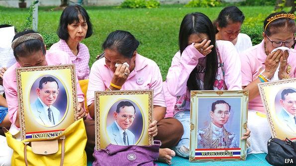 Bất ổn chờ đợi Thái Lan trong giai đoạn nối ngôi