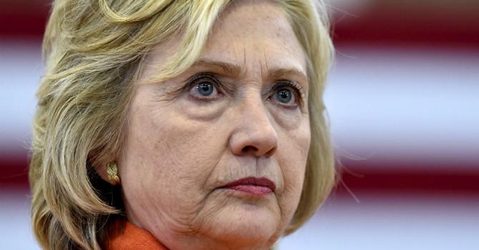 """11 """"cú phốt"""" trong nghiệp chính trị của bà Hillary Clinton"""