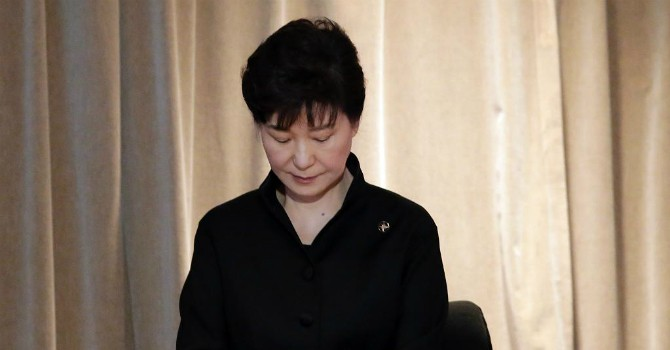 Tổng thống Hàn Quốc chấp nhận bị thẩm vấn vì bê bối bạn thân