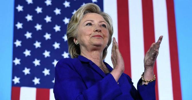 FBI ra kết luận, khép lại vụ điều tra bê bối email cá nhân của bà Clinton