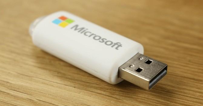 Windows 10 sẽ được bán qua USB