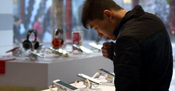 """Công nghệ 24h: Nhiều thương hiệu điện thoại Trung Quốc đang """"tung hoành"""" tại Việt Nam"""