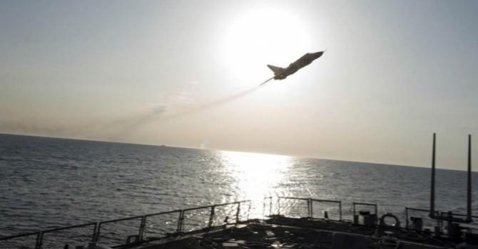 """Điều ít biết về phi cơ Nga """"trêu ngươi"""" chiến hạm Mỹ"""