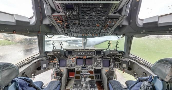 Thăm khoang lái của những phi cơ nổi tiếng nhất Không lực Hoa Kỳ