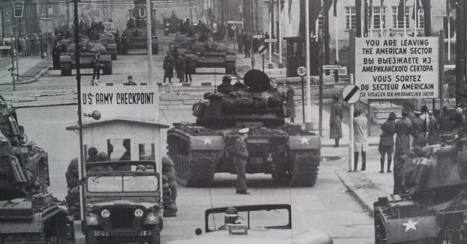 Nước nào có quân đội mạnh nhất trong Chiến tranh Lạnh?