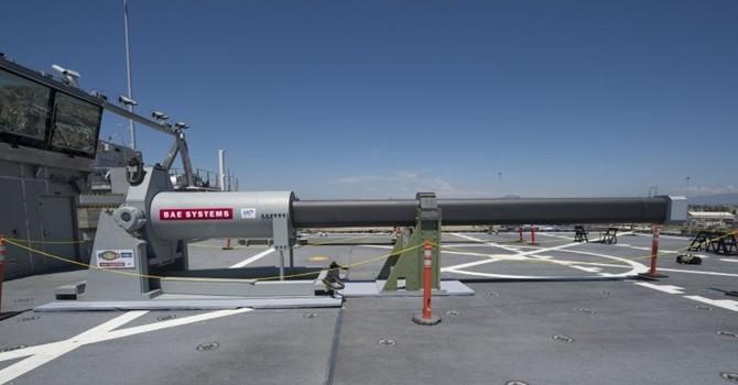 """Ngắm """"siêu"""" pháo điện từ sắp được Hải quân Mỹ thử nghiệm"""