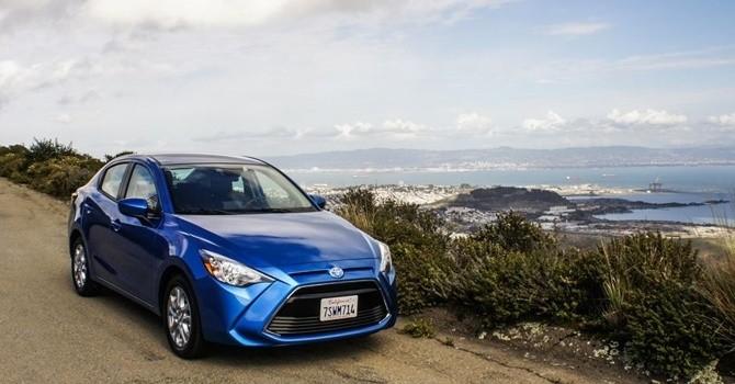 Yaris iA 2017: vỏ Toyota, nội thất Mazda 2