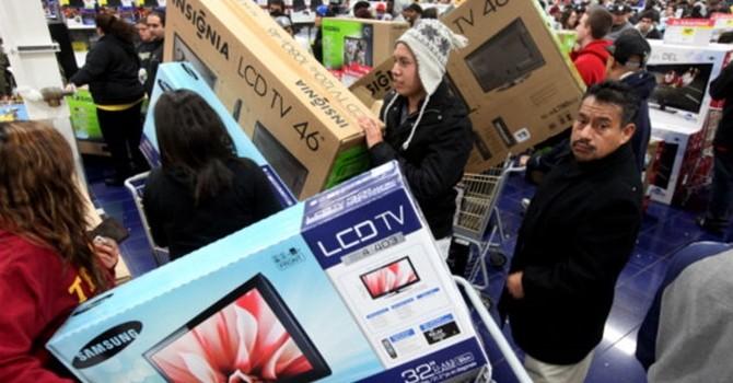 Các hãng công nghệ tranh thủ bán hàng tồn ngày Black Friday