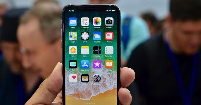 Công nghệ 24h: iPhone X được Apple ra mắt với mức giá từ 30 triệu đồng