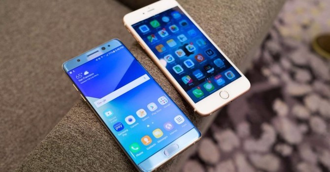 [Video] Galaxy Note 8 và iPhone 8: Ai bền hơn ai?