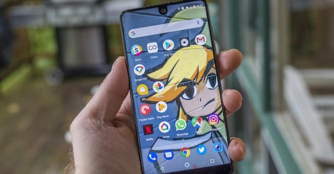 Smartphone của cha đẻ Android chỉ bán được 5.000 máy trong tháng đầu