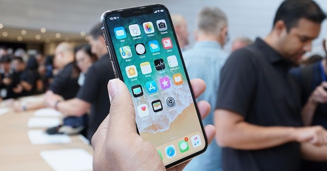 Công nghệ 24h: iPhone X sẽ sớm được bán chính hãng tại Việt Nam