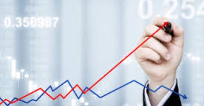 """Chứng khoán 24h: Chứng chỉ quỹ ETF bất ngờ bị rút mạnh, khối ngoại """"xả"""" VIC"""