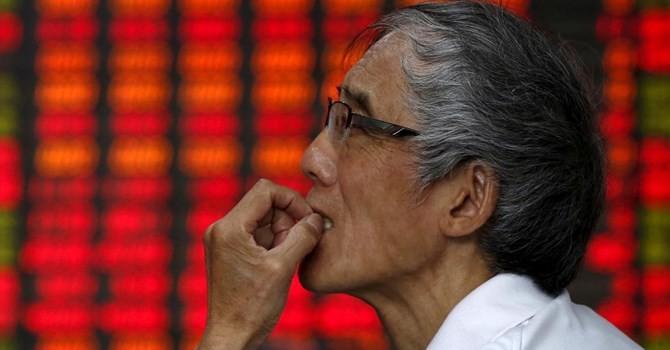 """Chứng khoán 24h: Khối ngoại vẫn """"vùi dập"""" thị trường"""