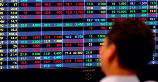 Chứng khoán 24h: Vinamilk dự chi 2.400 tỷ trả cổ tức, khối ngoại giảm mạnh giá trị giao dịch