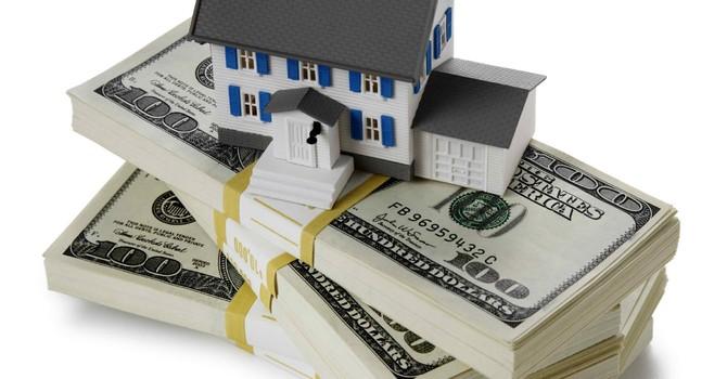 Vốn ngân hàng đang chảy mạnh vào bất động sản