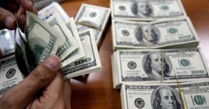 Doanh nghiệp lo lắng sẽ không được vay USD?
