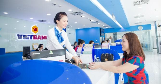 VietBank tặng 1.000 phần quà cho khách hàng tham quan Hội chợ VietBuild Hà Nội 2016