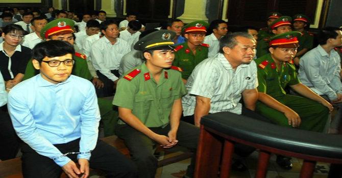 """Phiên xét xử sáng 25/7: Trần Ngọc Bích khai """"không liên quan đến khoản vay 300 tỷ"""""""