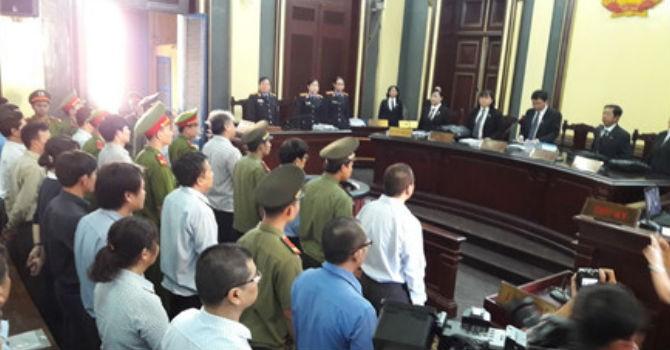 """Phiên xét xử sáng 27/7: Nhóm VNCB và Trần Ngọc Bích phản bác nhau """"nói sai sự thật"""""""