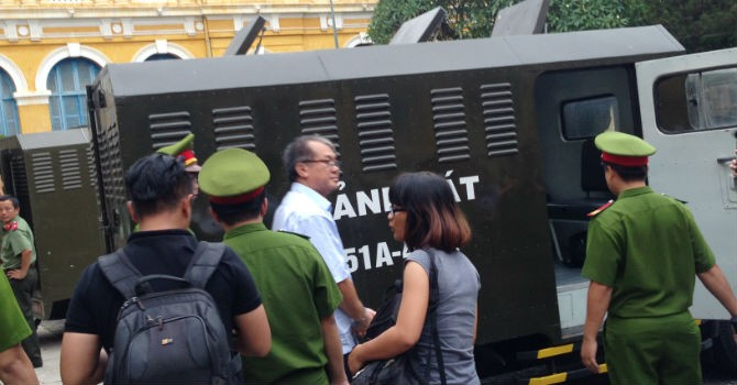 Phiên sáng 16/8: Ngân hàng Xây dựng được giữ 124 sổ tiết kiệm của nhóm Trần Ngọc Bích để thu hồi tiền
