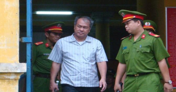 Phiên tòa sáng 24/8: Nhóm Trần Ngọc Bích đòi VNCB trả 5.190 tỷ đồng và xóa bỏ nhận lãi ngoài
