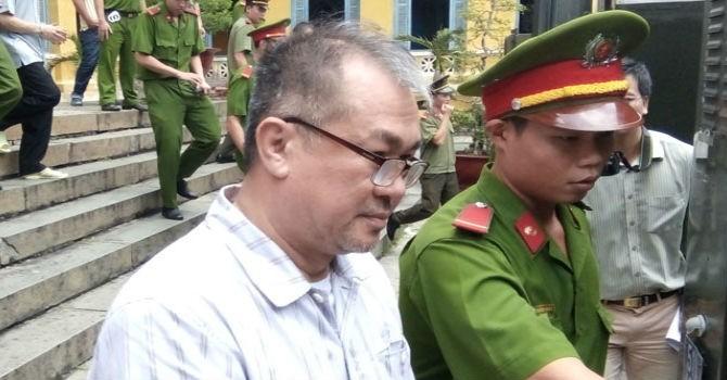 Phiên tòa sáng 26/8: Trần Ngọc Bích đề nghị tranh luận với đại diện Viện kiểm sát