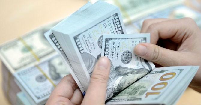Xử lý nghiêm ngân hàng vượt trần lãi suất huy động ngoại tệ
