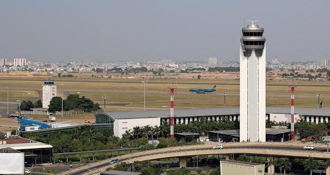 """Sự cố sân bay Tân Sơn Nhất nhiễu sóng """"lạ"""", chuyên gia nói gì?"""
