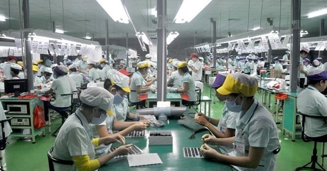 """Vốn """"ngoại"""" đổ vào Việt Nam thấp nhất 4 năm"""