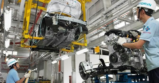 Thủ tướng yêu cầu giảm thuế tiêu thụ đặc biệt ô tô con