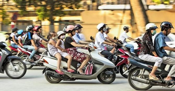 Kiến nghị dừng thu phí đường bộ xe máy vì quá nhiều bất cập!