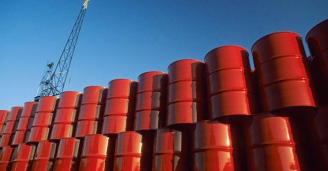Việt Nam mất hơn 3 tỷ USD vì giá dầu thô giảm