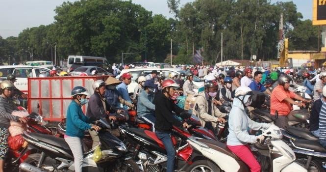 Vì sao chi phí giao thông ở Việt Nam đắt đỏ, tai nạn lại nhiều?