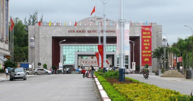 Thủ tướng đồng ý thí điểm xe du lịch tự lái qua biên giới Việt - Trung