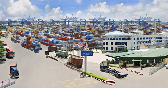 Việt Nam nhập siêu trở lại trong tháng 2