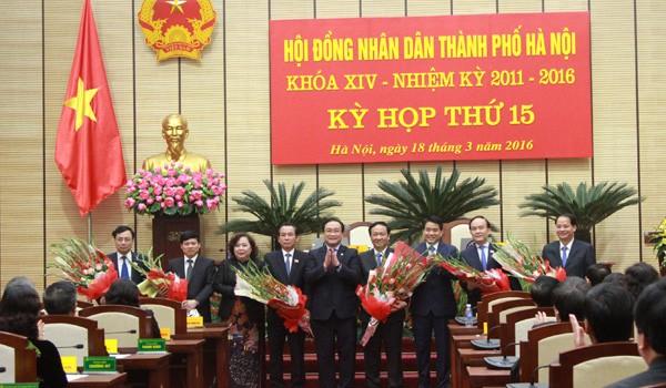 Hà Nội bầu, miễn nhiệm hàng loạt chức danh lãnh đạo
