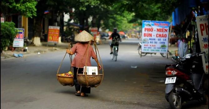 Điều gì khiến nền kinh tế Việt Nam chững lại?