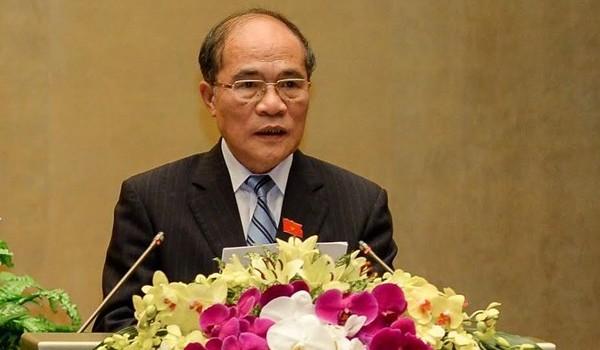 """Chủ tịch Nguyễn Sinh Hùng giải đáp """"phân vân"""" về công tác nhân sự cấp cao"""