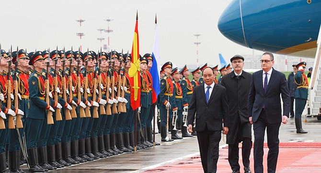 Những hình ảnh đầu tiên của Thủ tướng Nguyễn Xuân Phúc trong chuyến thăm Nga