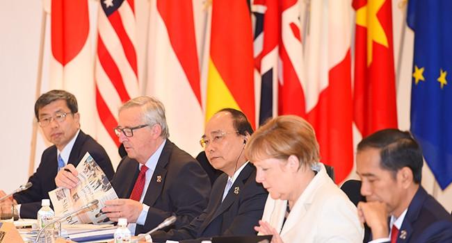 Thủ tướng Nguyễn Xuân Phúc: Bồi đắp đảo nhân tạo quy mô lớn đang đe dọa hòa bình, ổn định