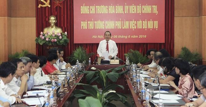 Phó thủ tướng: Kiểm soát chặt số lượng cấp phó, tránh tinh giản không đúng đối tượng